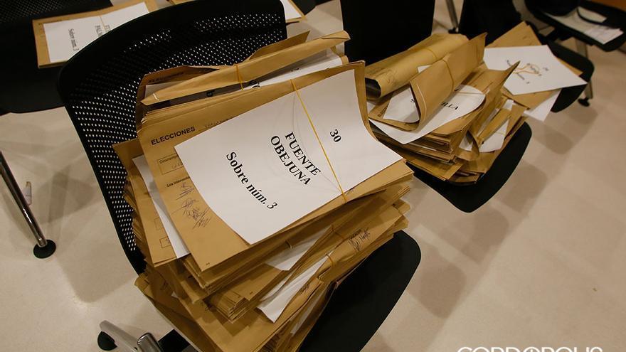 Recuento de votos en la Junta Electoral   MADERO CUBERO