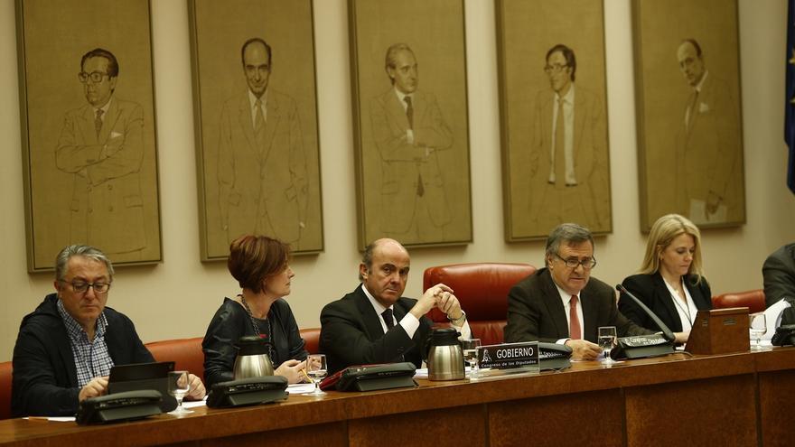El PP registra ahora una petición para que Guindos explique el 'caso Soria' en la Comisión de Economía