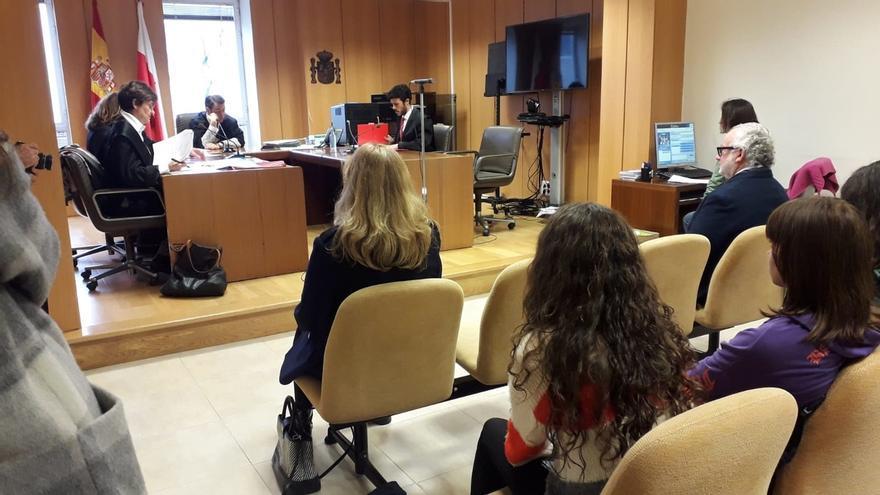 Fiscalía propone desestimar por falta de pruebas la denuncia de Marina Vargas contra Fernando Francés por maltrato