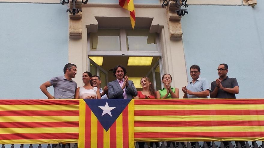 ERC de Barcelona cuelga la 'estelada' en el balcón del distrito de Gràcia