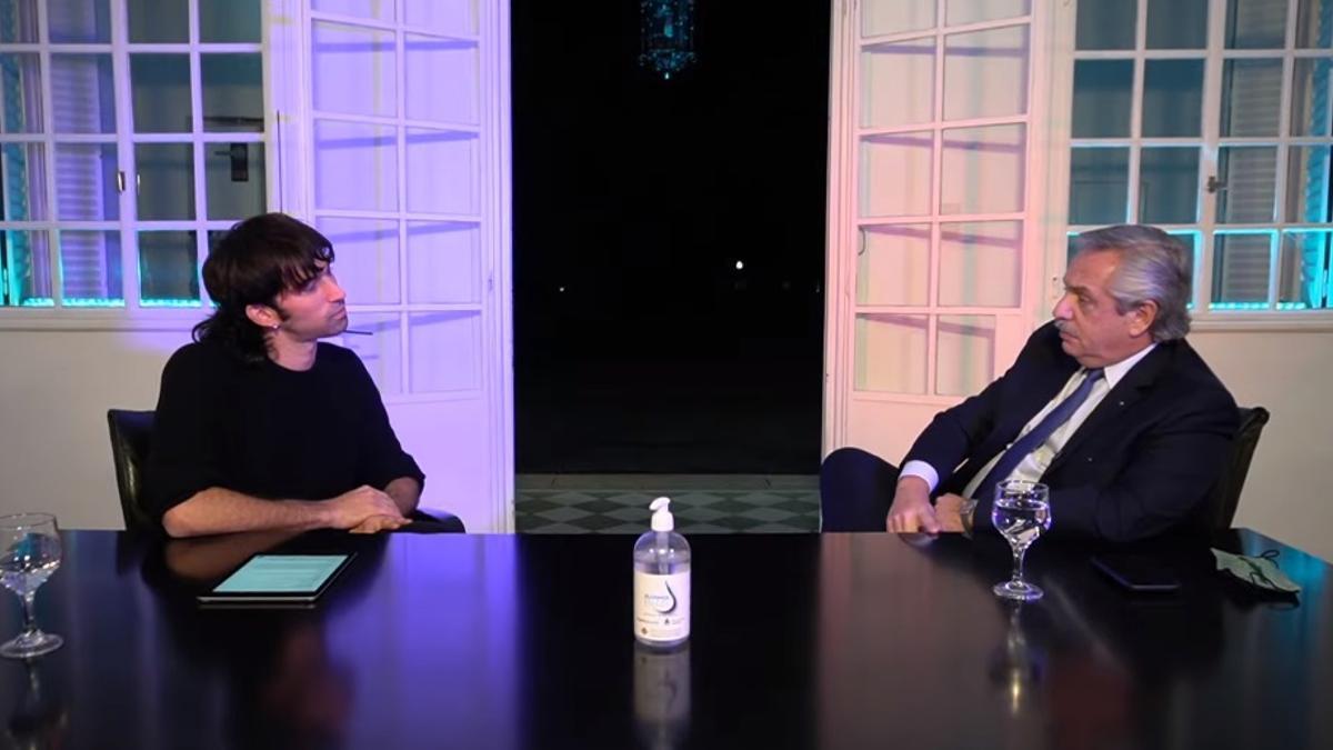 El Presidente dio una entrevista en la Quinta de Olivos con el conductor de radio y activo participante de las redes sociales Pedro Rosemblat.
