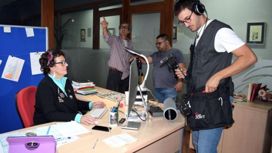 Una imagen del rodaje realizado en la redacción de Las Noticias de Cuenca. // Foto: C.i.P.