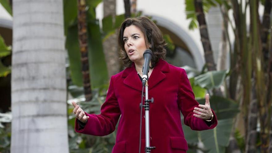 Sáenz de Santamaría se reúne con Ciudadanos para hablar de presupuestos