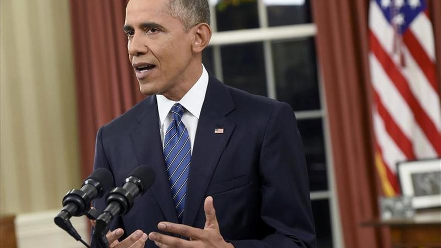"""Obama le pide al Congreso levantar el embargo a Cuba, """"una política fallida"""""""