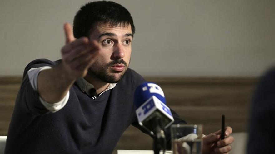 Espinar dice que ahora, como cargo público, se plantearía cómo vender el piso