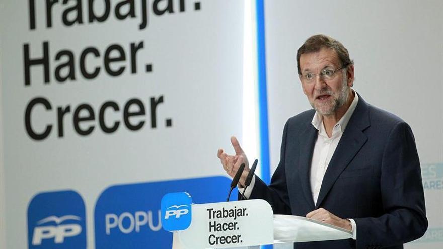 Mariano Rajoy durante su intervención en La Laguna (EFE/CRISTÓBAL GARCÍA)