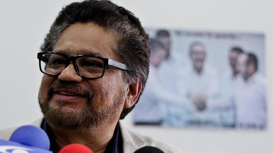 Las FARC y exparamilitares dialogan sobre paz y reparación a víctimas en Colombia