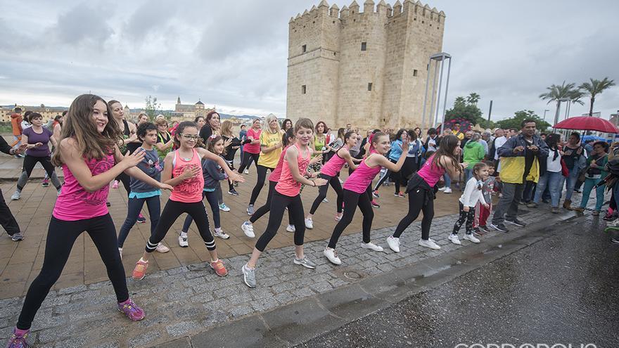 Danza junto a la Torre de la Calahorra | TONI BLANCO