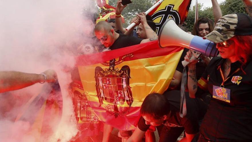 Ultras y antifascistas se manifiestan en diferentes puntos de Barcelona