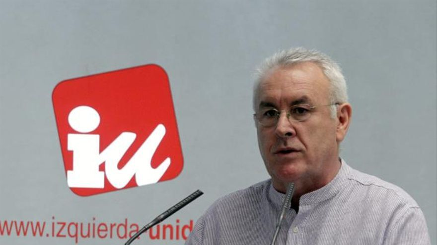 IU cree avería avión del Príncipe daña la marca España y pide explicaciones