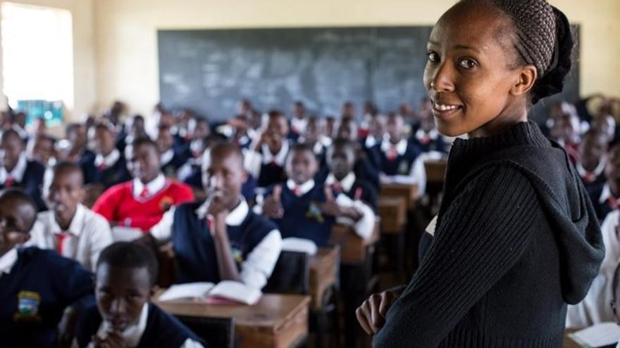 Lilian Naserian trabaja como profesora en la mejor escuela de secundaria de su región, dando clases de inglés y literatura africana.