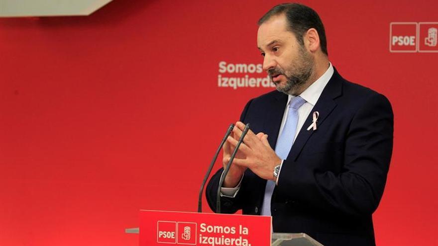 Ábalos: Ciudadanos es un partido populista de derechas