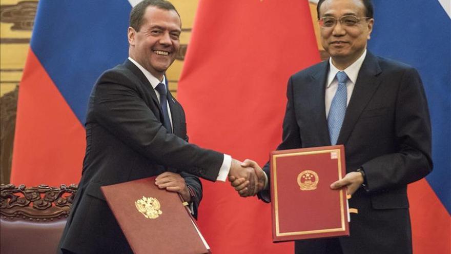 China y Rusia fortalecen su alianza económica durante la visita de Medvédev