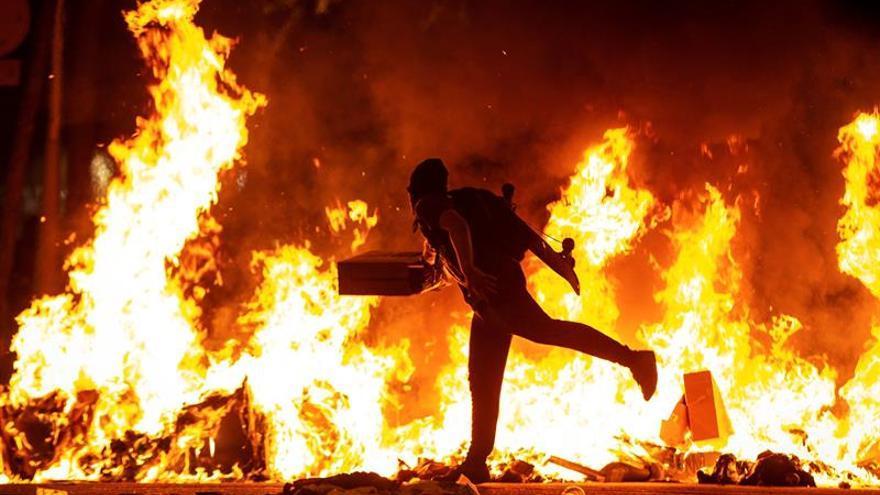 Las protestas independentistas provocan este martes 74 heridos en Cataluña