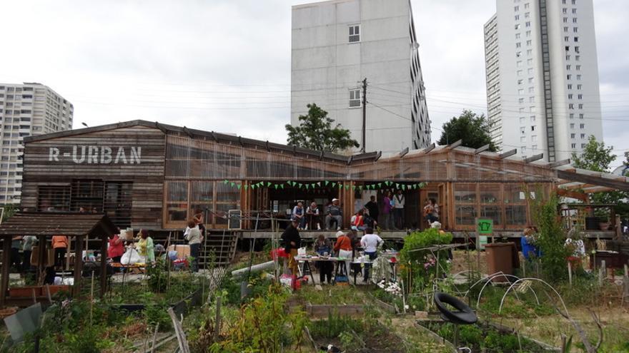 Uno de los espacios autogestionados puestos en marcha en París por el colectivo AAA, participante en el festival. / UrbanBat