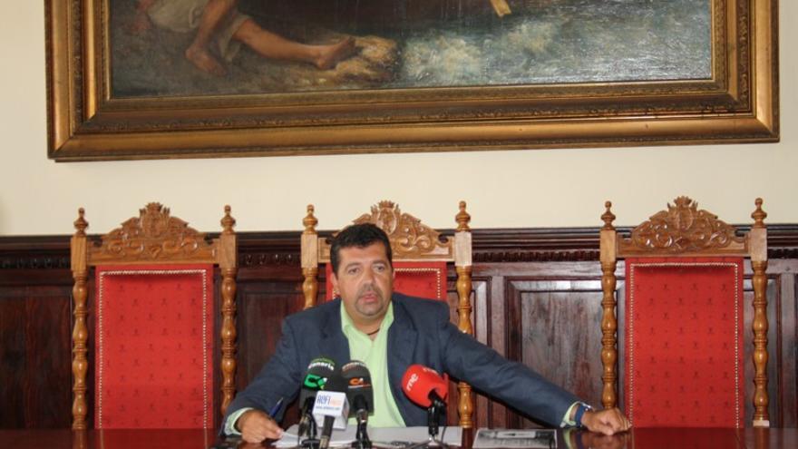 En la imagen, Juan José Cabrera Guelmes, este lunes en rueda de prensa.