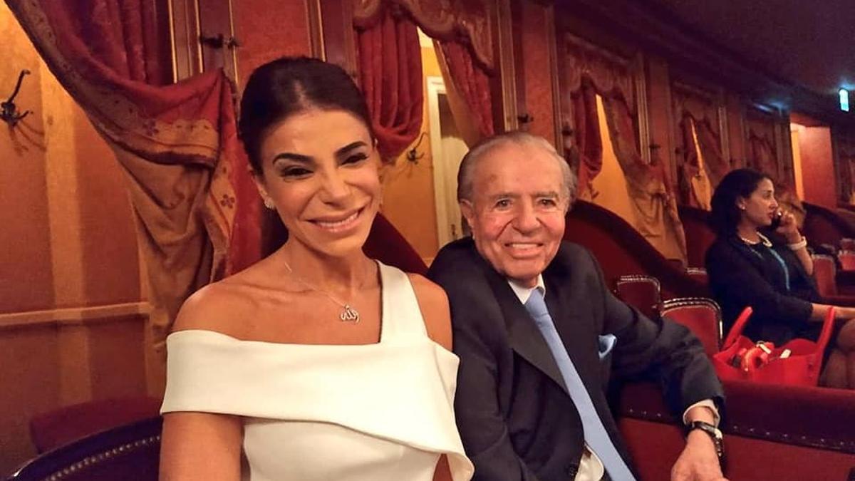 Carlos Menem y Zulemita, en el Teatro Colón.