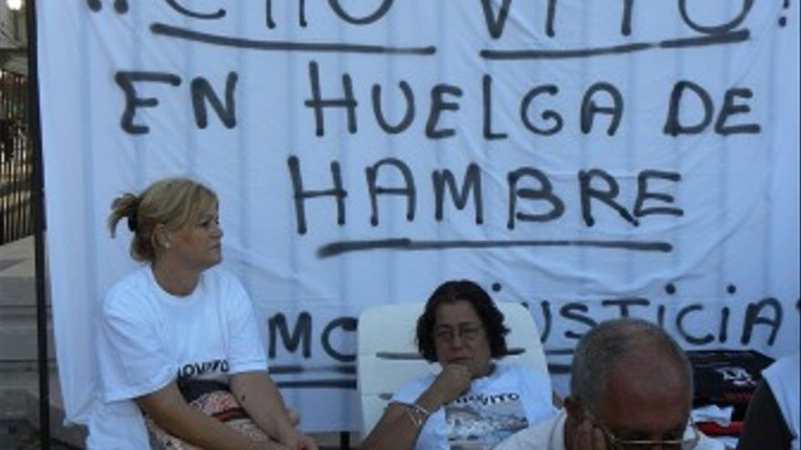Vecinos de Cho Vito en huelga de hambre. (JORGE SANTAELLA)