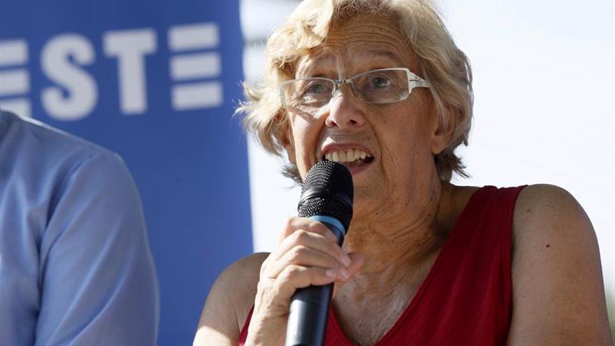 Carmena aprueba el plan económico al que se opone Hacienda con apoyo del PSOE