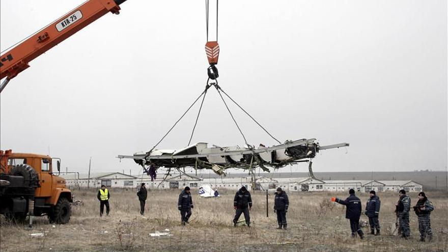 El tren con los restos del avión malasio llega a la ciudad ucrania de Járkov