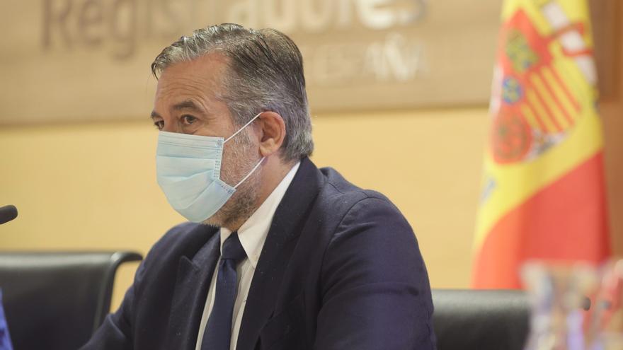 El consejero de Justicia, Interior y Víctimas en funciones de la Comunidad de Madrid, Enrique López, inaugura la jornada formativa sobre la nueva herramienta contra la ocupación ilegal de viviendas con la que contarán los cuerpos de Policía Local de la re