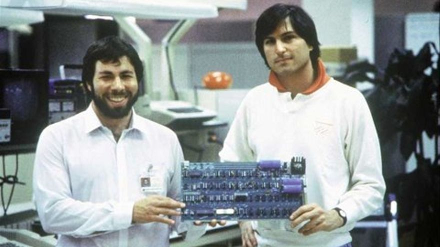 Steve Jobs junto al cofundador de Apple Computer Company, Steve Wozniak