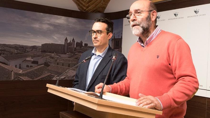 El diputado de Personal Miguel Salazar y Antonio Jiménez, director de Recursos Humanos / www.dip-caceres.es