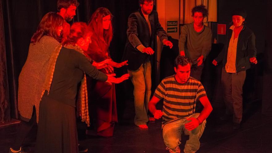 Actuación del grupo de teatro Unos Cuantos.