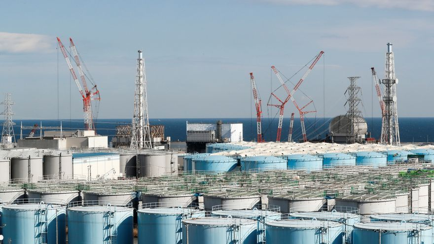 Japón decide verter al Pacífico el agua procesada de la central de Fukushima