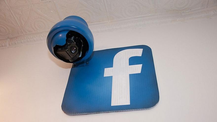 La política de nombres reales de Facebook coarta la privacidad