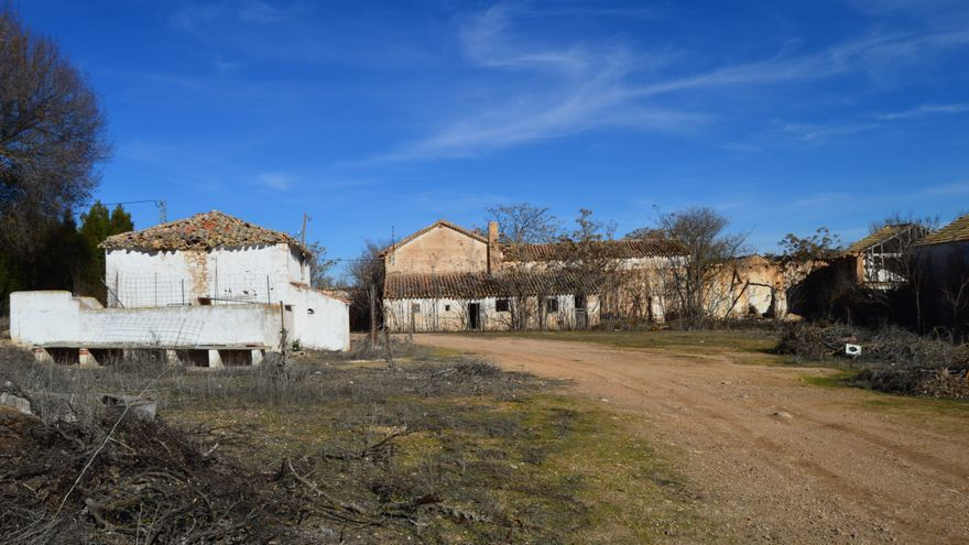 Despoblamiento rural i las grandes ciudades acaban con los pueblos tradicionales - Casas rurales grandes ...