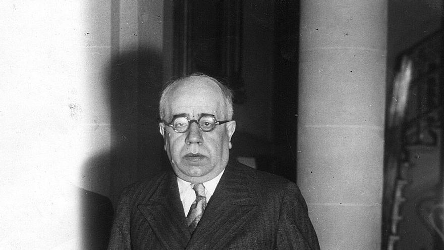 Retrato del político y escritor Manuel Azaña Díaz (Foto sin fecha, años 30).