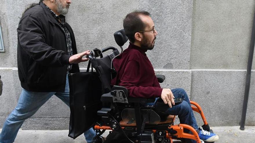 Podemos e IU creen que Puigdemont debe acudir a declarar a la Audiencia