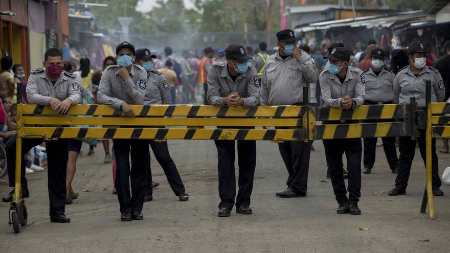 """Nicaragua asciende a custodios, ante el rechazo de las familias de los """"reos políticos"""""""