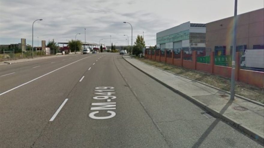 Avenida de la Constitución de Casarrubios del Monte / Google