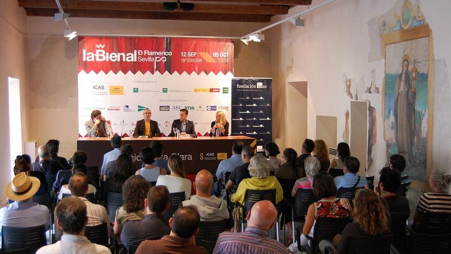Presentación de 'Flamenco y poder' en la Bienal de Sevilla.