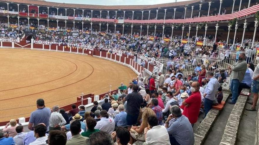 Archivo - Corrida de toros de la Feria Taurina de Begoña