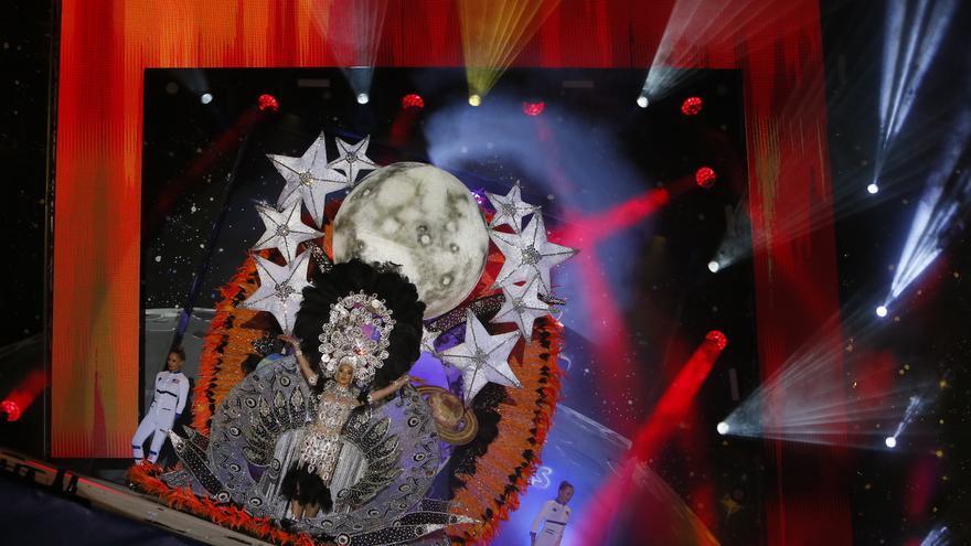 Alba Dunkerbeck, Reina del Carnaval Internacional de Maspamoon