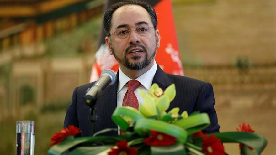 El Parlamento afgano destituye a tres ministros, entre ellos el de Exteriores