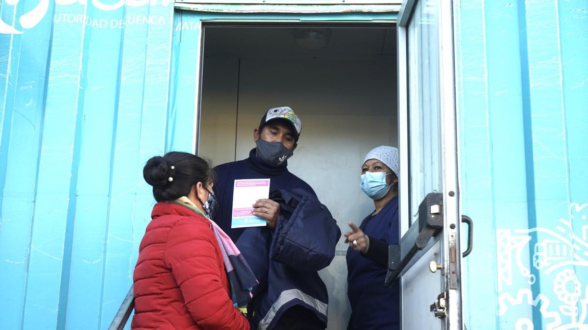 Vacunación en estación Florencio Varela.