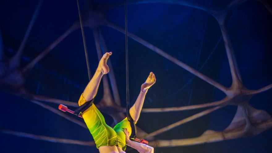 Dúo de trapecistas.