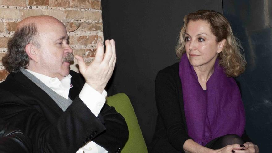 Josep Lluís Sirera y Mariángeles Fayos en un momento de los Desayunos Makma