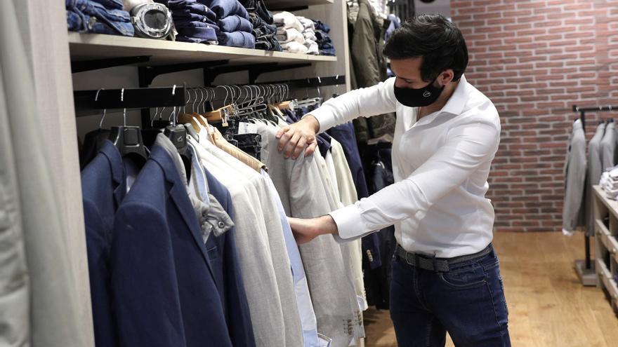 Las ventas del comercio textil se hunden un 41,6 % en 2020, el peor dato del siglo