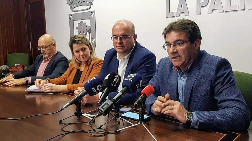 De izquierda a derecha: Juan Bernardo Fuentes Curbelo, Alicia Vanoostende; Anselmo Pestana y José Adrián Hernández.