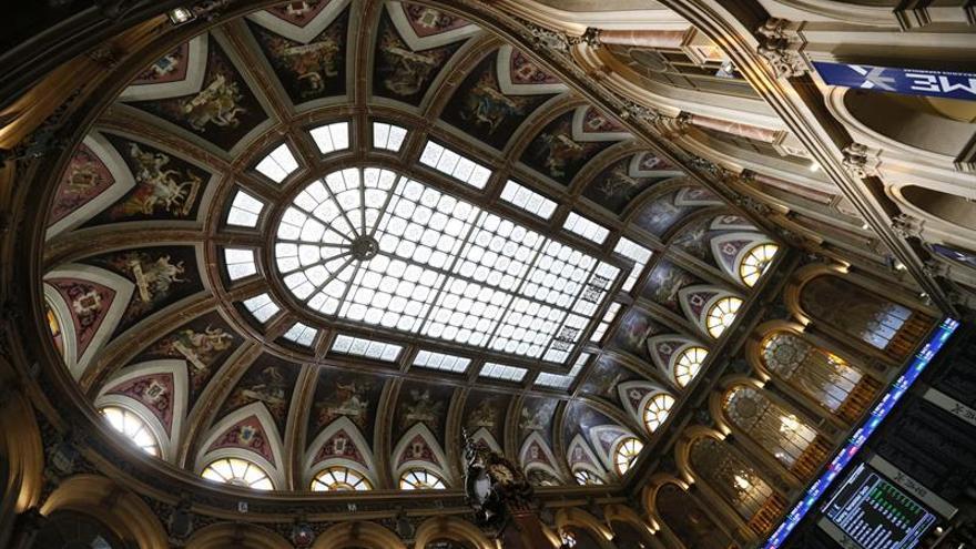 La bolsa española abre con recortes y el IBEX cede un 0,35 %