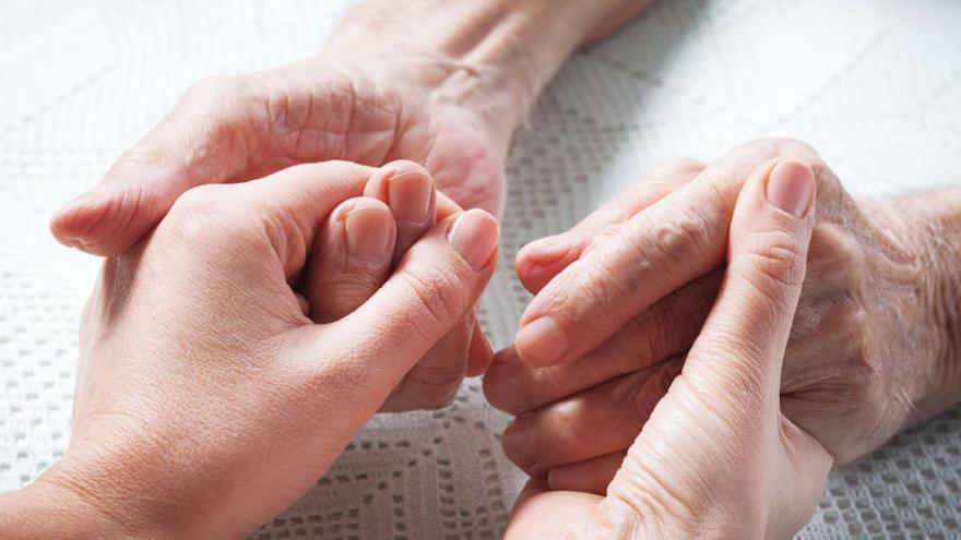 Dependencia Mas Beneficiarios Y Menos Ayudas A Familiares A Mitad