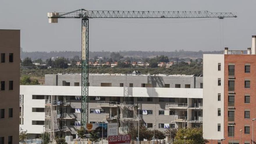 La compraventa de viviendas cae cerca del 7 % con descensos en 13 comunidades