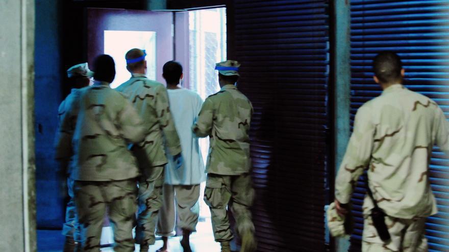 Así se traslada a los presos en Guantánamo. Copyright: US DoD