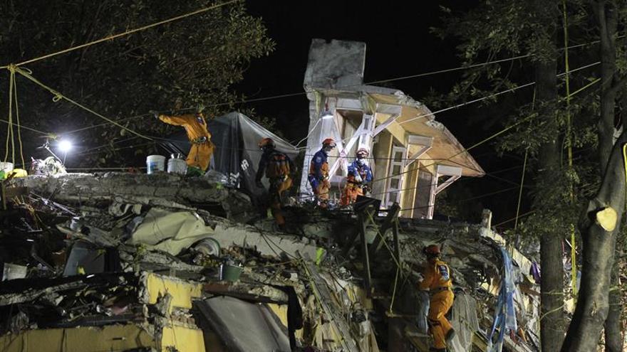 Suman 318 muertos por el terremoto del 19 de septiembre en México