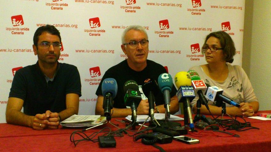 Cayo Lara (IU) tiende la mano a la izquierda para acabar con el bipartidismo